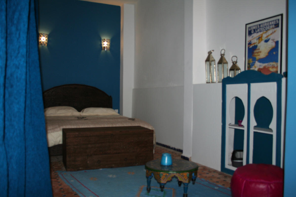 riad meknes chambres d 39 h tes maroc riad el ma la chambre bleue. Black Bedroom Furniture Sets. Home Design Ideas
